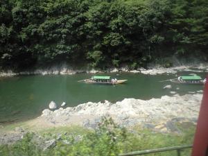 つかは(紅葉シーズンなどに)優雅に川下りしてみたい。