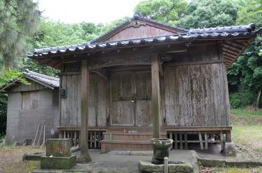 久多島神社本殿。