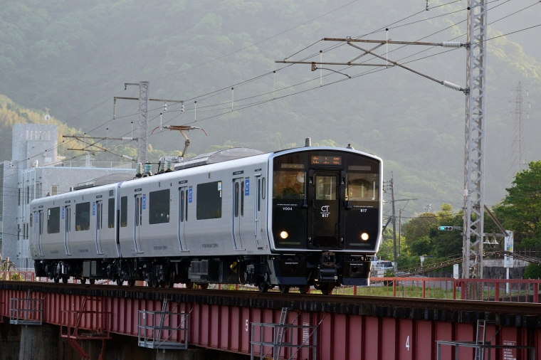 JR九州近郊型電車817系